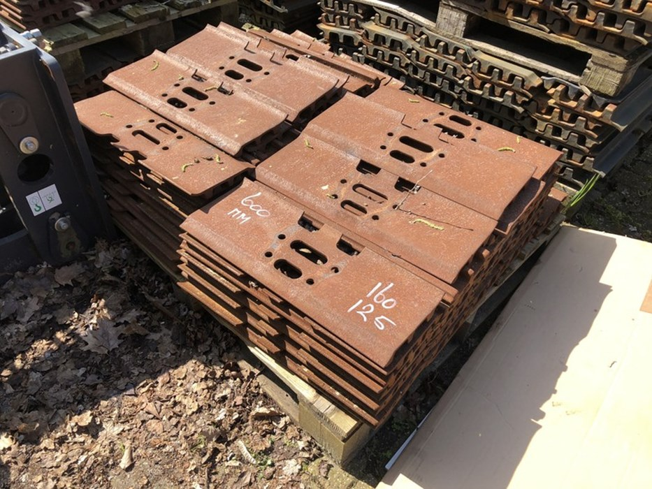 Doosan Shoes 600 mm Doosan DX180LC